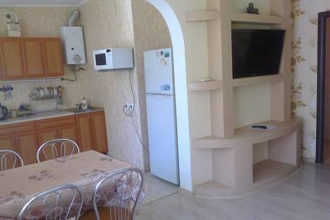 Сдается 2-комнатная квартира посуточнов Малом маяке, Солнечная 2.