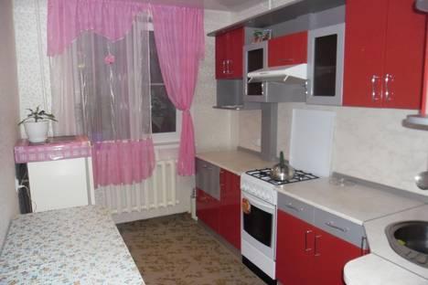 Сдается 3-комнатная квартира посуточно в Яровом, квартал А дом 32.