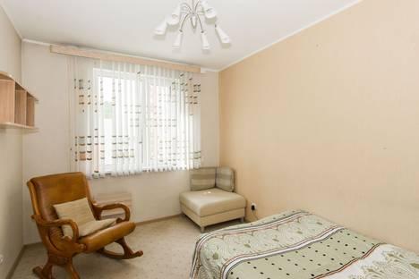 Сдается 3-комнатная квартира посуточнов Екатеринбурге, ул. Крестинского, 63.