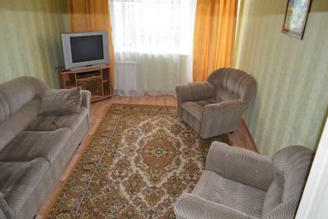 Сдается 2-комнатная квартира посуточнов Кургане, б-петрова 12.