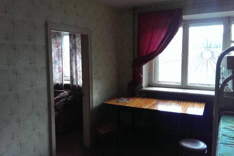 Сдается 4-комнатная квартира посуточно в Серове, улица Мира, 23.