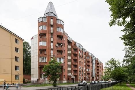 Сдается 2-комнатная квартира посуточнов Санкт-Петербурге, 13 линия В.О., д.80.