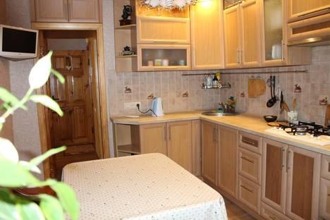 Сдается 1-комнатная квартира посуточно в Судаке, ул.Октябрьская, 34.