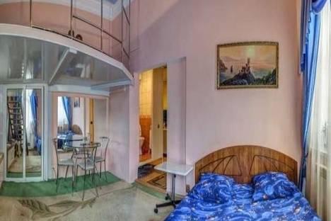 Сдается 2-комнатная квартира посуточно в Ялте, Свердлова, 5.