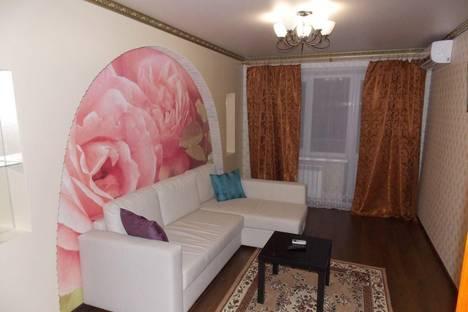 Сдается 1-комнатная квартира посуточнов Азове, переулок Степана Разина,  9а/1.