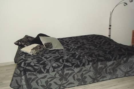 Сдается 1-комнатная квартира посуточно в Петрозаводске, ул. Лыжная, 8а.
