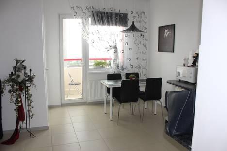Сдается 2-комнатная квартира посуточно в Петрозаводске, ул. Чапаева, 44.