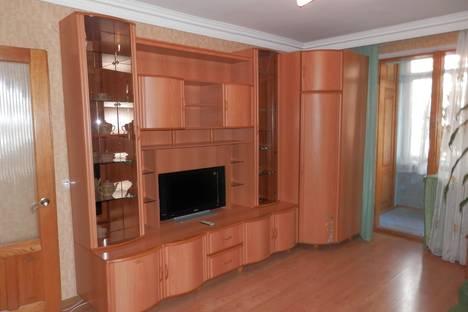 Сдается 3-комнатная квартира посуточнов Туапсе, керченская 17.