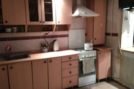 Сдается 2-комнатная квартира посуточно в Туапсе, Ленинградская 13.