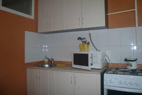 Сдается 1-комнатная квартира посуточно в Челябинске, Свердловский проспект, 23а.