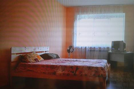 Сдается 2-комнатная квартира посуточнов Элисте, 3мкр. д.1.