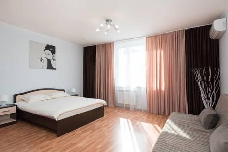 Сдается 1-комнатная квартира посуточно в Екатеринбурге, ул. Малышева, 4 б.