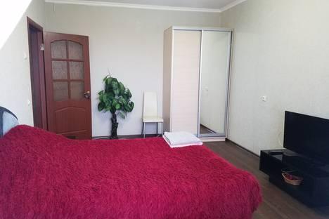 Сдается 1-комнатная квартира посуточно в Волгодонске, ул. Гаражная, 187.