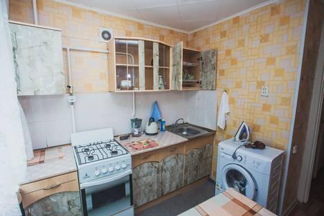 Сдается 1-комнатная квартира посуточнов Кургане, Перова, д. 4.