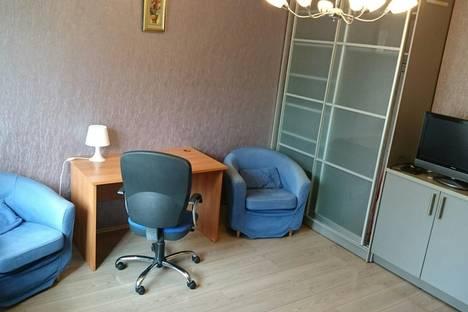 Сдается 2-комнатная квартира посуточнов Екатеринбурге, Токарей 46, кв. 64.