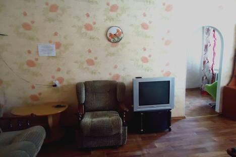 Сдается 2-комнатная квартира посуточнов Уссурийске, ул. Крестьянская, 26а.