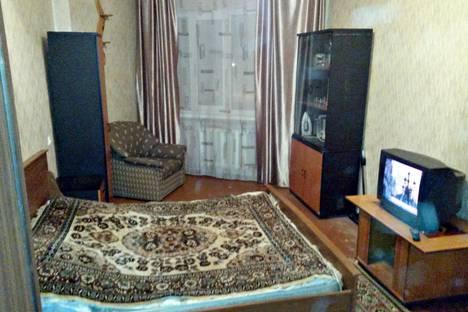 Сдается 1-комнатная квартира посуточно в Кировске, Олимпийская 51.