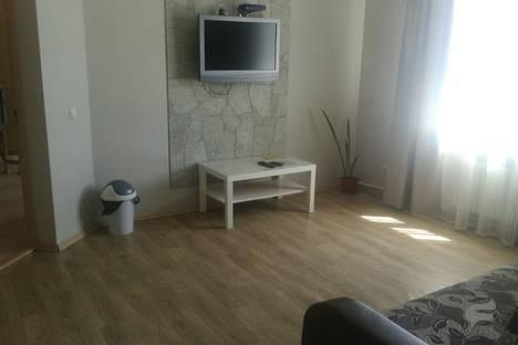 Сдается 2-комнатная квартира посуточно в Южно-Сахалинске, ул. Сахалинская 176.