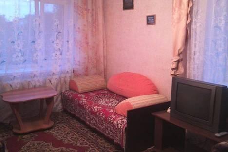 Сдается 1-комнатная квартира посуточно в Яровом, Квартал Б , дом 18.