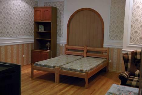 Сдается 1-комнатная квартира посуточно в Гурзуфе, Крым, Ялта,Санаторная, д.17, кв.1.