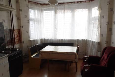 Сдается 2-комнатная квартира посуточнов Железнодорожном, Ул. Речная 9.
