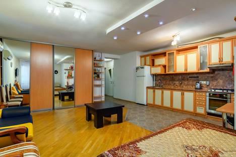 Сдается 1-комнатная квартира посуточно в Ростове-на-Дону, ул. Социалистическая, 238.