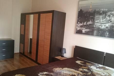 Сдается 2-комнатная квартира посуточнов Екатеринбурге, ул. Шейнкмана, 111.