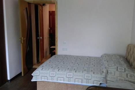 Сдается 1-комнатная квартира посуточно в Гурзуфе, Соловьева 20.