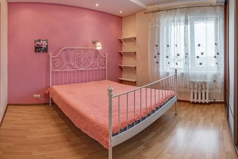 Сдается 2-комнатная квартира посуточно в Новосибирске, ул. Геодезическая, 17/1.
