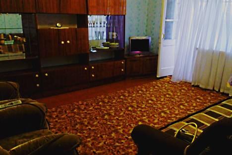 Сдается 3-комнатная квартира посуточнов Сатке, ул. Куйбышева, 3.