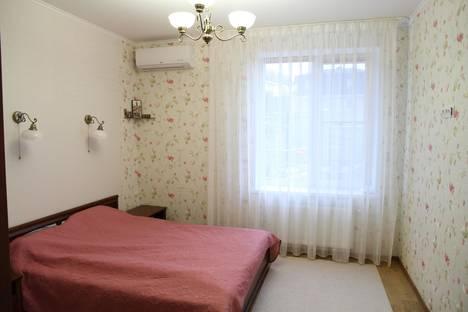 Сдается 3-комнатная квартира посуточно в Малом маяке, Лавровое, Фрунзенская улица, 2.