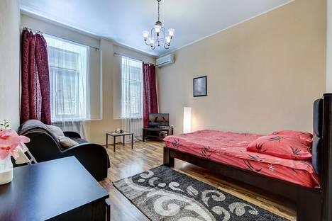 Сдается 1-комнатная квартира посуточнов Санкт-Петербурге, Рылеева 24.
