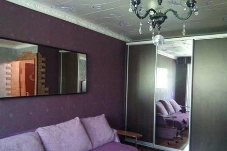 Сдается 2-комнатная квартира посуточно, Крымская, 8.