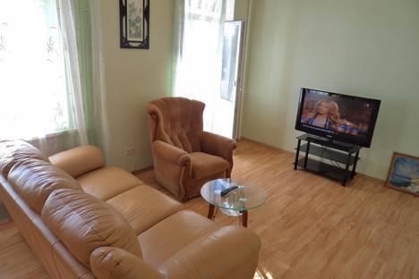 Сдается 2-комнатная квартира посуточно в Севастополе, Большая Морская, 52.