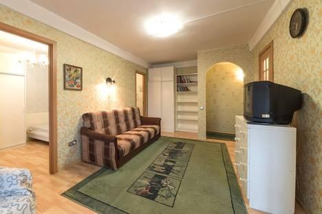 Сдается 2-комнатная квартира посуточнов Санкт-Петербурге, Новоизмайловский проспект, 13.