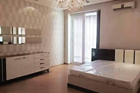 Сдается 1-комнатная квартира посуточно в Геленджике, ул. Херсонская, 11.