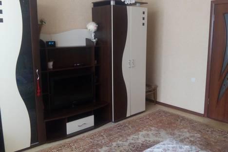 Сдается 2-комнатная квартира посуточно в Саки, пер.Курортный 4.