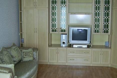 Сдается 2-комнатная квартира посуточно в Таганроге, пер. Некрасовский, 3.