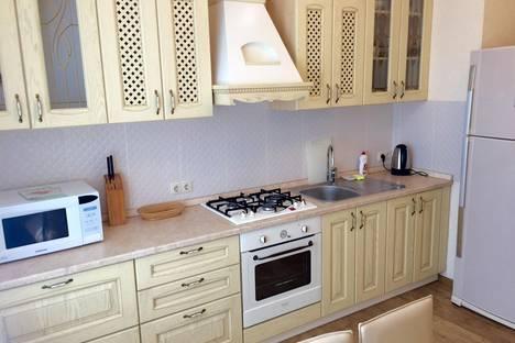 Сдается 2-комнатная квартира посуточнов Казани, вишневского 3.