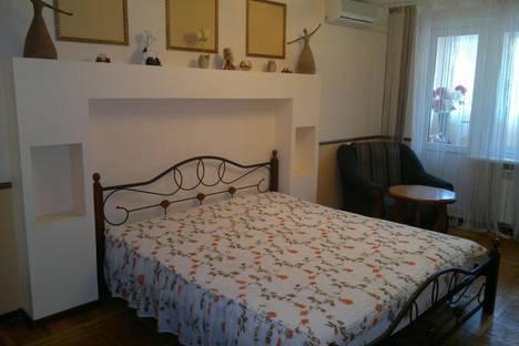 Сдается 2-комнатная квартира посуточно в Гаспре, Алупкинское шоссе, 48.