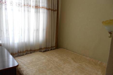Сдается 2-комнатная квартира посуточнов Пицунде, ул. Агрба, 3/2.