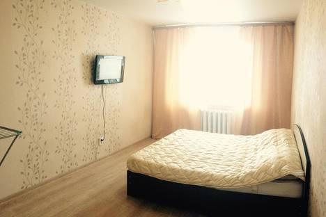 Сдается 2-комнатная квартира посуточно в Кирове, Стахановская,14 а.