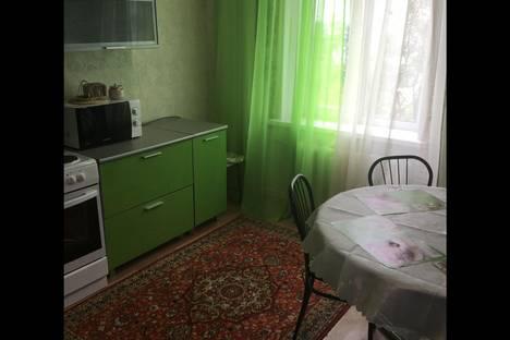 Сдается 1-комнатная квартира посуточнов Усть-Илимске, проспект Дружбы Народов, 90.