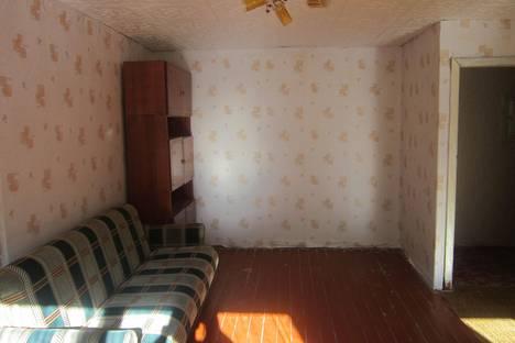 Сдается 2-комнатная квартира посуточно в Златоусте, ул. Таганайская, 200.