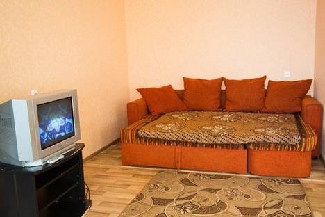 Сдается 2-комнатная квартира посуточно в Тюмени, ул. Мельникайте,  93.