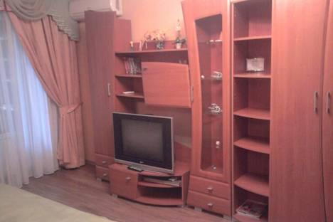 Сдается 1-комнатная квартира посуточно в Днепре, Кирова проспект ,92.