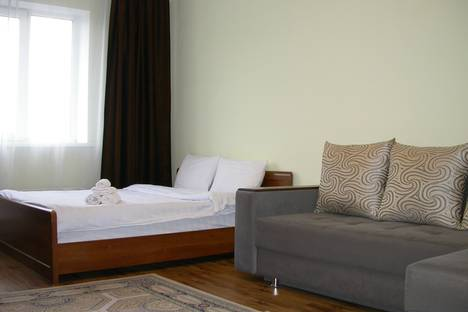 Сдается 1-комнатная квартира посуточно в Алматы, Бальзака, 8.