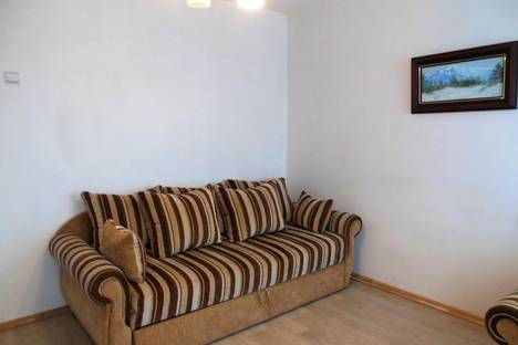 Сдается 1-комнатная квартира посуточно в Керчи, ул. Айвазовского, 12/4.