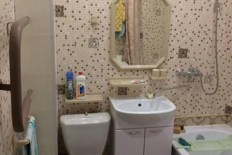 Сдается 1-комнатная квартира посуточнов Ярославле, проспект Фрунзе, 2/2.
