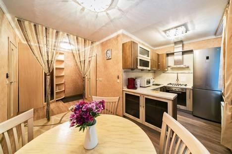 Сдается 2-комнатная квартира посуточно в Москве, ул.Мосфильмовская, д.12.